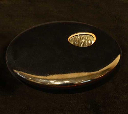 Black porcelain ikebana